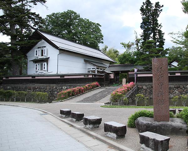 紅花資料館及び収蔵資料   日本遺産「山寺と紅花」